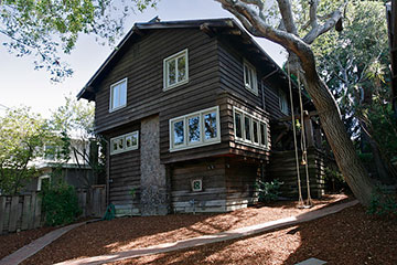 2834 Forest Exterior